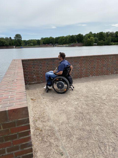 Bild von mir am Stadtpark See, wo ich meinen Unfall hatte